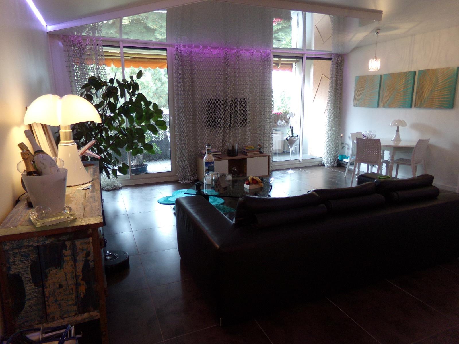location a saisir magnifique appartement de type 4 blagnac centre ville. Black Bedroom Furniture Sets. Home Design Ideas